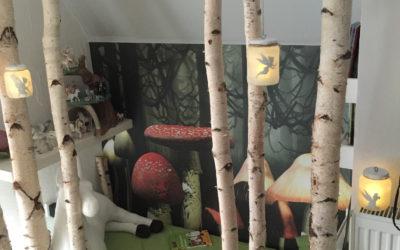 Ein Mädchenzimmer-Traum mit Birkenstämmen