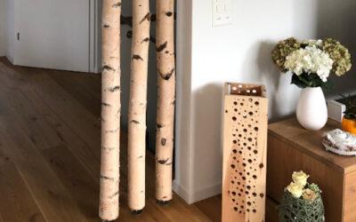 Raumteiler aus Birkenstämmen mit Standfuß
